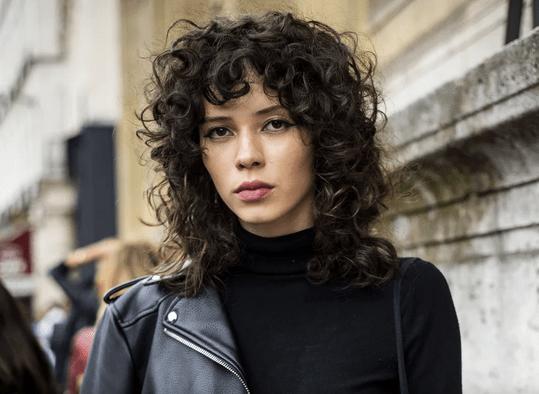 Focus sur la Wolf cut, la coiffure la plus tendance du moment