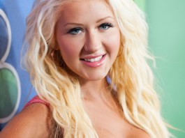 Christina Aguilera Measurements, Height, Weight, Bra Size, Age, Wiki, Affairs