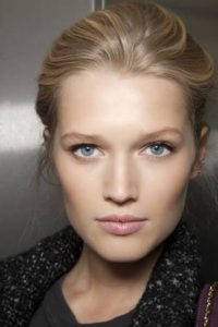 Toni Garrn Measurements, Height, Weight, Bra Size, Age, Wiki, Affairs