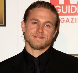 Charlie Hunnam Height, Weight, Body stats, Wiki