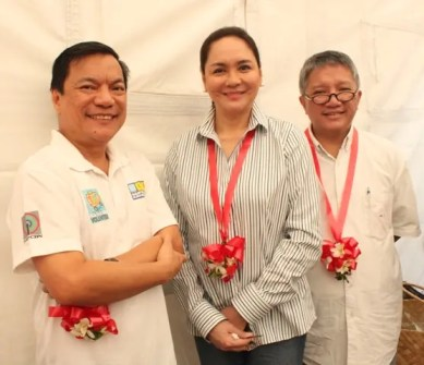 ABS-CBN Manila Radio Division Head Peter Musngi, ABS-CBN President Charo Santos-Concio, and ABS-CBN Integrated Public Service Head Fr. Tito Caluag