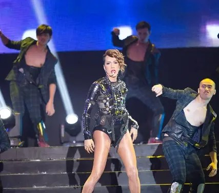 'I-Vice Ganda Mo 'Ko' breaks 2013 concert ticket sales record_01_Photo by Mark Marcaida