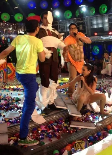 Teddy, Karylle, and Jugs perform for Magpasikat Week (Photo by Baunch Tumale) 2