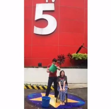 Robin Mariel Ice Bucket Challenge