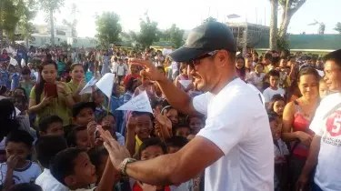 Derek Ramsay and Other TV5 Stars Conducts Alagang Kapatid Post-Yolanda Rehabilitation Drive