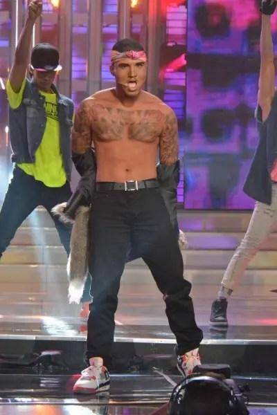 Edgar Allan Guzman performing as Chris Brown at Your Face Sounds Familiar's Grand Showdown