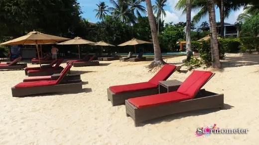 Sunbathing couches