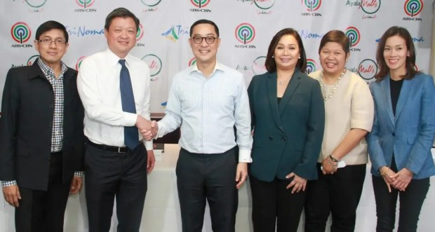 (From left to right) ABS-CBN group chief financial officer Ron Valdueza, Ayala Land head of commercial business group Jose Emmanuel Jalandoni, ABS-CBN president and CEO Carlo Katigbak, ABS-CBN chief operating officer of broadcast Cory Vidanes, Ayala Malls group head Rowena Tomeldan, and ABS-CBN head of finance for broadcast, and integrated news and current affairs Cat Lopez.