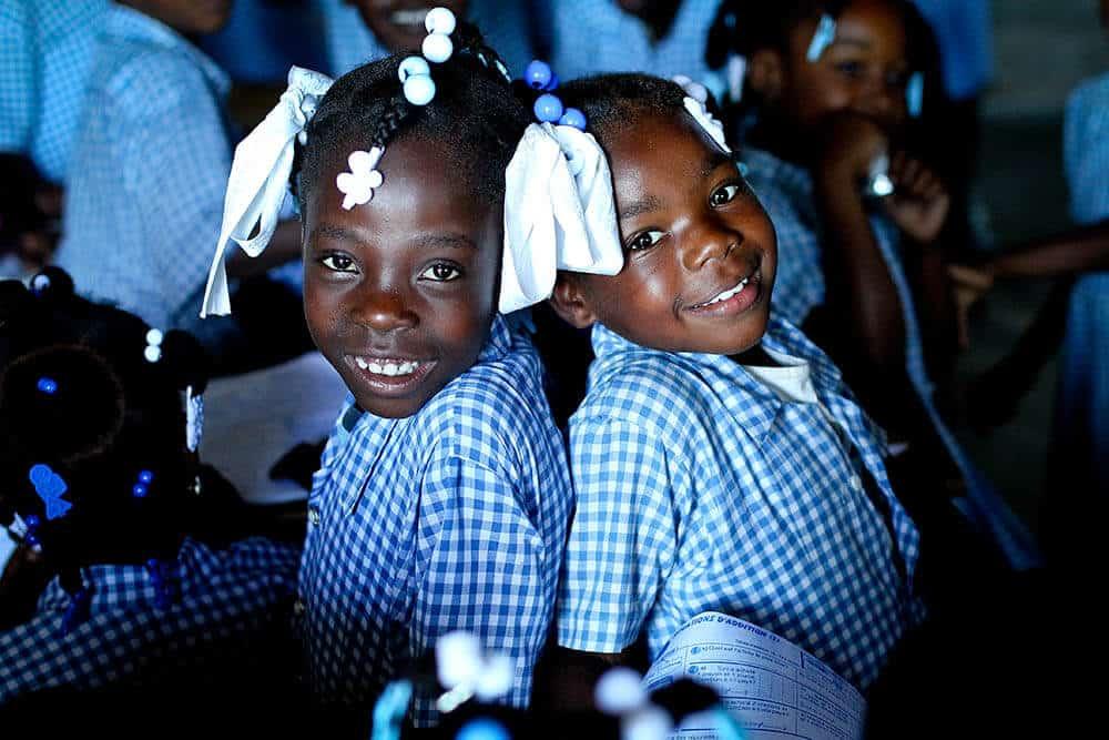 flickor_haiti_dano