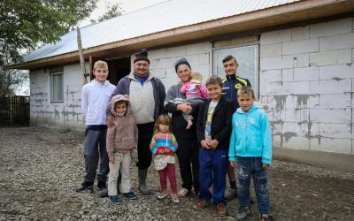 Familjen Lacatucu i Rumänien