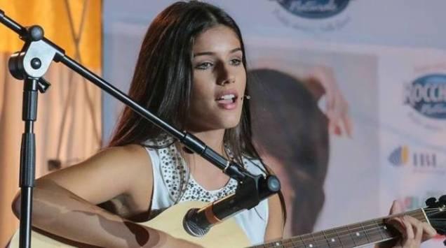 Giuliana Ferraz da Miss Italia al talent show The Voice Of Italy, dimostrando che oltre alla bellezza, in lei vive un meraviglioso spirito artistico.