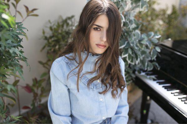 Federica carta amici di Maria De Filippi cantante elisa emma finalista talent show