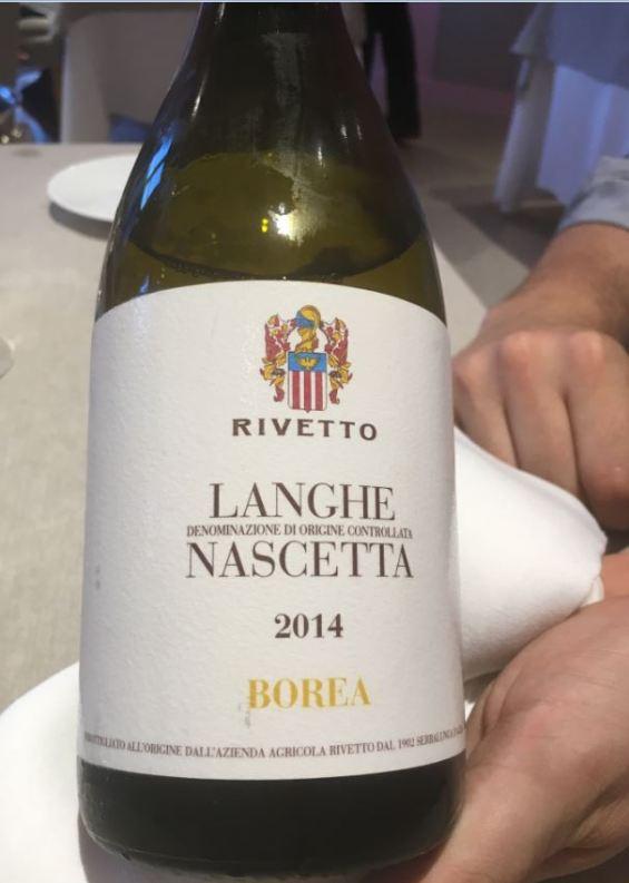 piazza-duomo-enrico-crippa_vino_-langhe-nascetta_rivetto