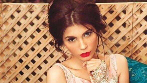 Amna Babar Height