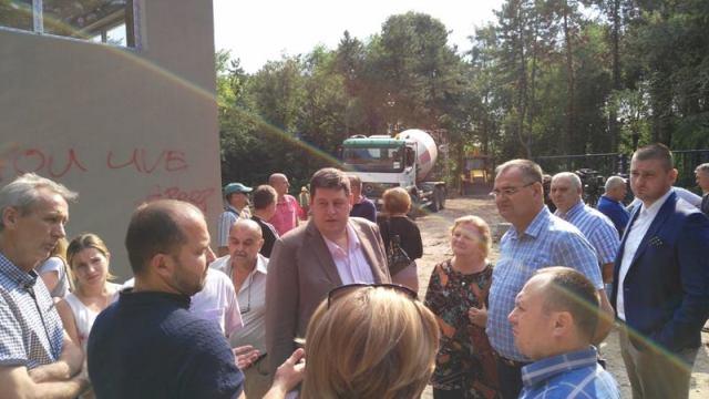 ФАБРИКА ВОДЕ... Милан Гарашевић, председник општине, у посети градилишту