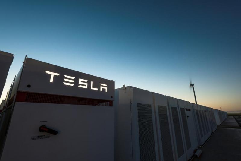 Сколько и почему Германия будет субсидировать Tesla
