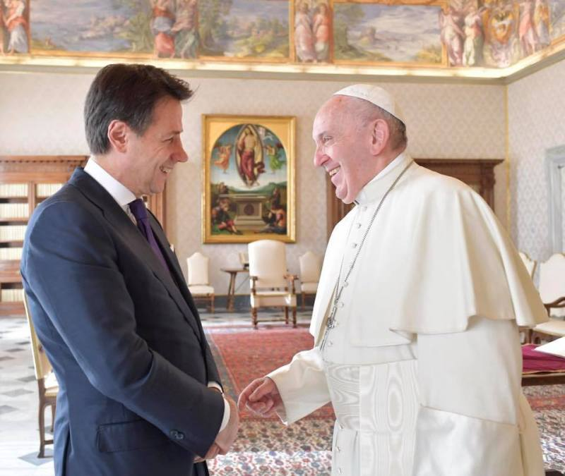 Conte, Renzi, the CEI and the Jesuits