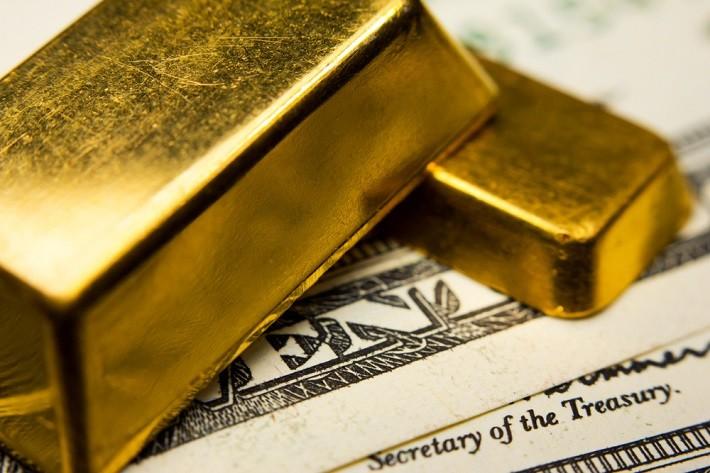 Потому что золото и доллар не будут танцевать