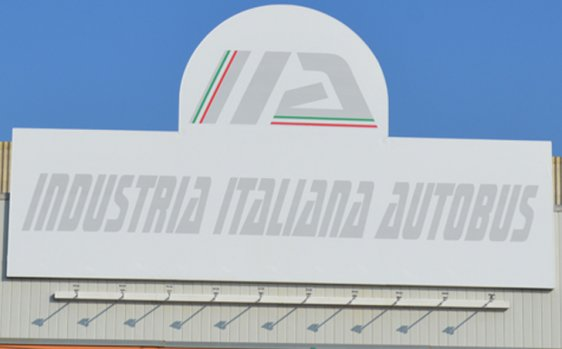 作為Invitalia和Leonardo的意大利巴士行業(Iia)