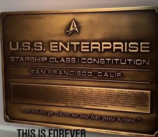 Star Trek Strange New Worlds Enterprise Placa Conmemorativa