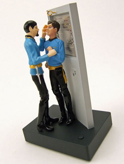 2fe4a27a00619d5bb4189df06bcc4b04 Mirror, Mirror Star Trek Electronic Ornament