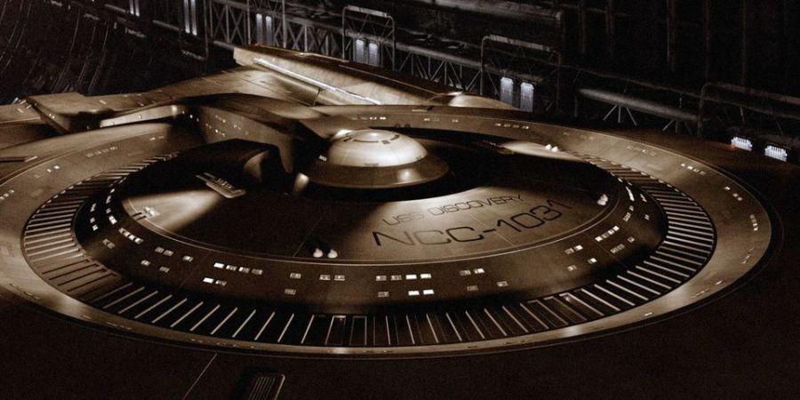 star trek uss discovery ship 0 Star Trek: Discoverys Release Date Becomes Slightly Less Murky