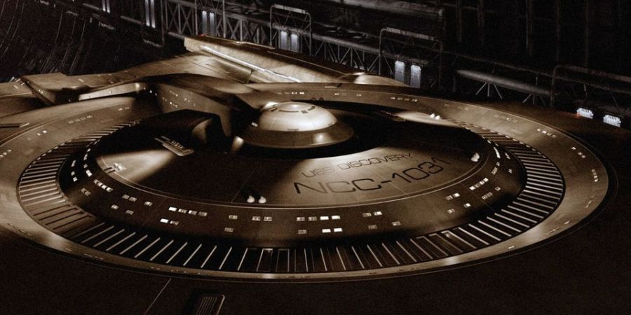 star trek uss discovery ship 0 Star Trek: Discoverys Release Date Becomes Slightly Less Murky