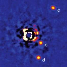 Detección directa de planetas en torno a HR8799. Créditos: Marois et al (2010)