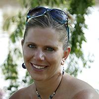 Heidi Ciravola Headshot