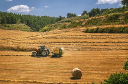 A Guide To Buying VS Leasing Farm Machinery start smarter business hub startups uk