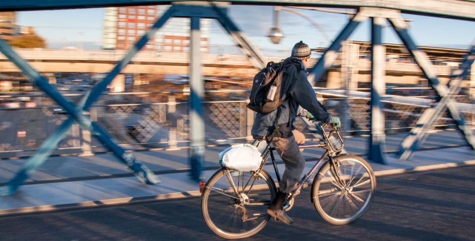 Top-5-Reason-You-Should-Bike-To-Work