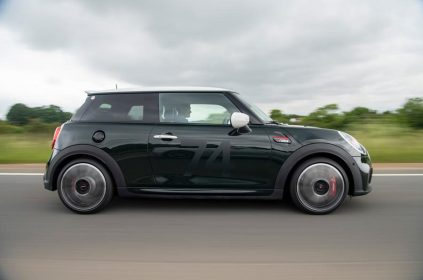 98-mini-jcw-anniversary-official-images-tracking-side
