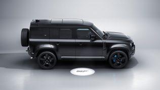 James Bond Land Rover Defender V8-7