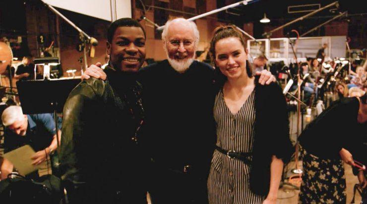John Boyega en Daisy Ridley met John Williams