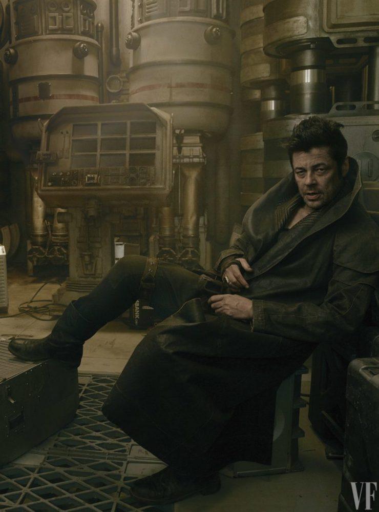 "Benicio Del Toro als ""DJ"""
