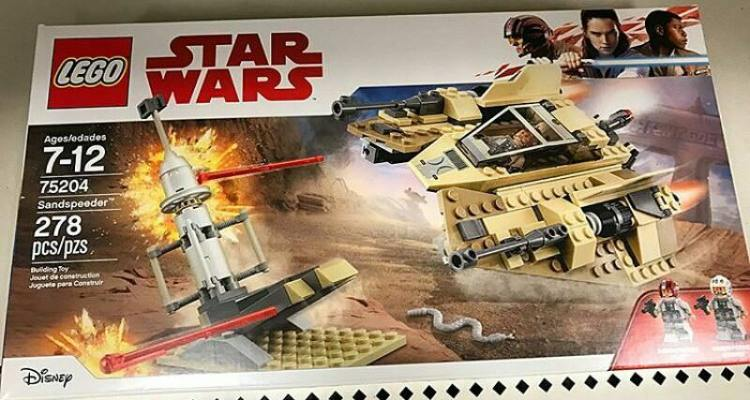 First photos LEGO Sandspeeder (and UCS Y-Wing coming up?)   Star ...
