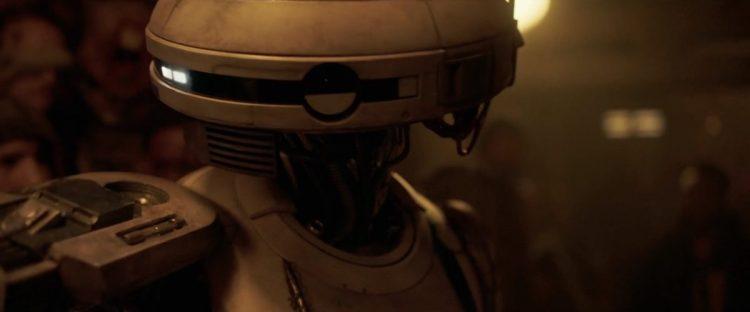 In dit shot krijgen we een beter beeld van Lando's maatje en zien we ook dat het niet echt een standaard model droid lijkt. Haar schouders lijken verdacht veel op de schouders van astromechs als R2-D2. Is L3-37 gemaakt van bij elkaar geraapte onderdelen?