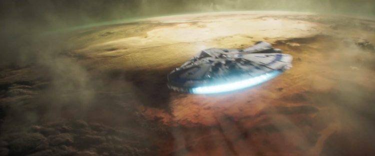 We zien de Falcon over een nieuwe planeet (Minban?) vliegen terwijl Beckett in een voice over Han het advies geeft dat hij er vanuit moet gaan dat iedereen hem zal verraden.