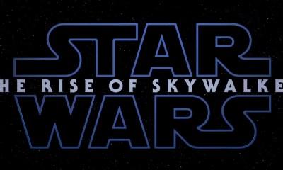 En net voor het logo met de titel The Rise of Skywalker in beeld komt horen we de kippenvel bezorgende lach van Emperor Papatine door de speakers galmen…
