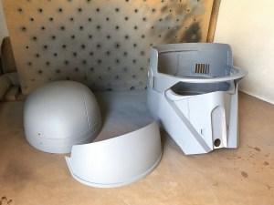 De helm bestaat nu uit drie delen die zo gemakkelijk geverfd kunnen worden.