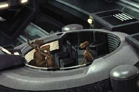 ET-in-Star-Wars-coruscant