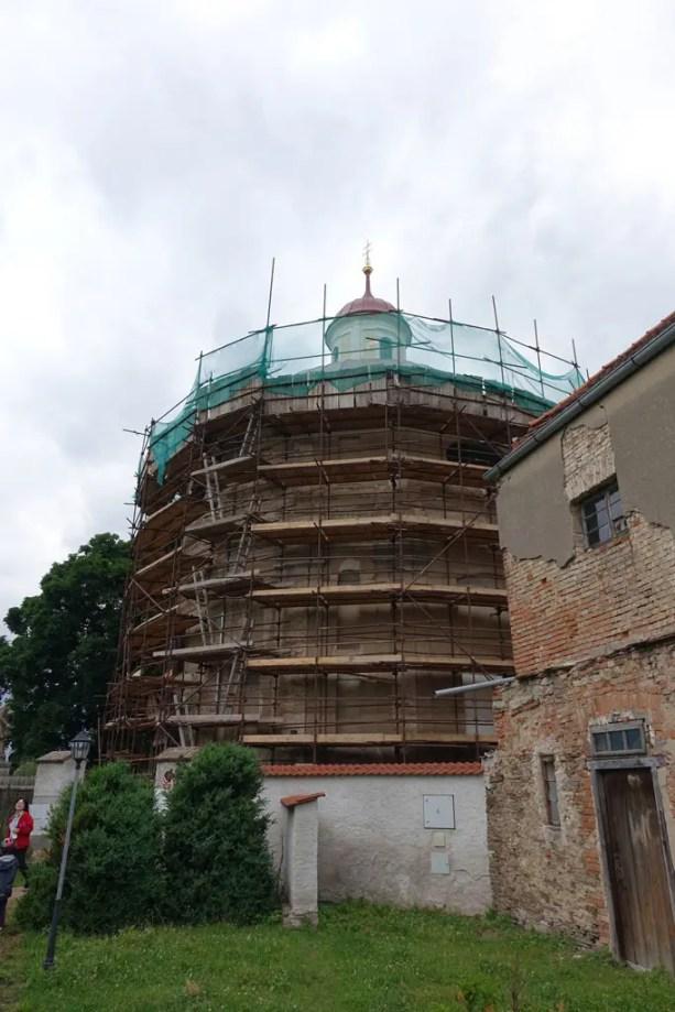 Kostel se dlouhodobě opravuje