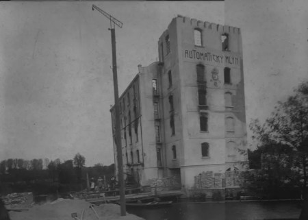 Vyhořelý mlýn