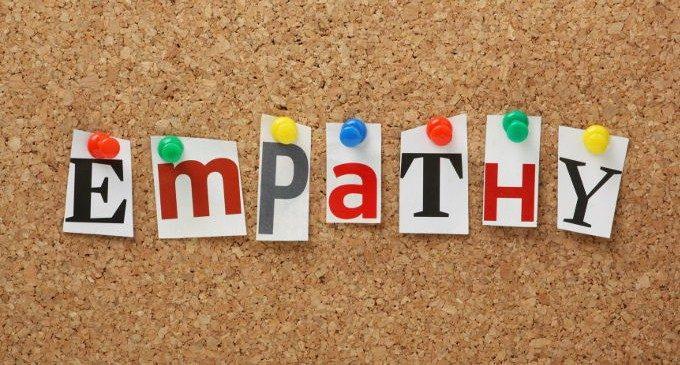 https://i1.wp.com/www.stateofmind.it/wp-content/uploads/2016/01/La-relazione-tra-apprendimento-ed-empatia-si-pu%C3%B2-imparare-a-essere-pi%C3%B9-empatici-con-gli-estranei-Immagine-64175795-680x365.jpg
