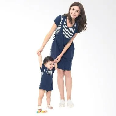 Mooimom Straight Stripe Nursing Sli ... dan Baju Anak - Navy Girl