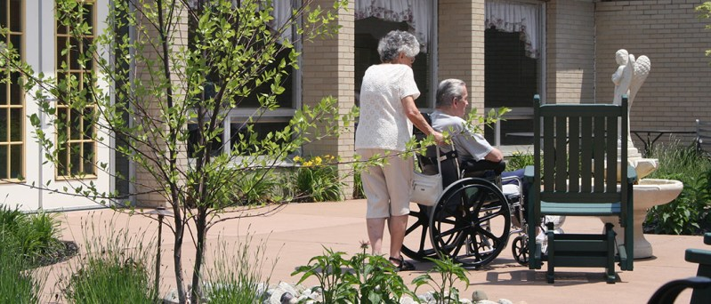 nursing home assisted elderly living statistics