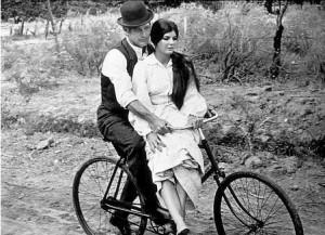 Bicicletta d'annata (tooquoque.files.wordpress.com)