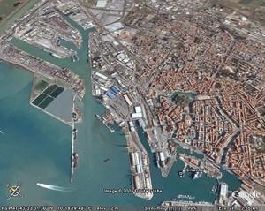 Porto di Manfredonia, immagine d'archivio (marco2000.altervista.org)