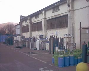 Deposito bombole a gas (immagine d'archivio)