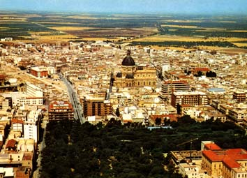 Cerignola, panorama Duomo (www.gesef.it)